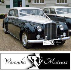 Tablica personalizowana w klasycznych kolorach to idealny dodatek do ślubnej limuzyny - elegancka dekoracja wykonana specjalnie dla Was! #kolekcjaslubna #slub #wesele #dekoracjeslubne #podziekowaniadlagosci #ślub #wedding #wesele #love #slub #pannamloda  #bride #slubnaglowie #pannamłoda #miłość #weddingday #sesjaslubna #weddinginspiration #slubneinspiracje Antique Cars, Antiques, Vintage Cars, Antiquities, Antique, Old Stuff