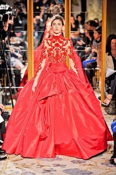 Marchesa gown, final dress from show. I AM OBSESSED WITH THIS DRESS. Wish I could wear it somewhere!