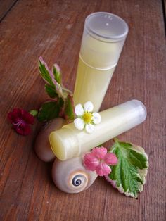 Sezamový balzám na rty pro celou rodinu Natural Cosmetics, Herbalism, Diy And Crafts, Homemade, Ethnic Recipes, Tips, Blog, Fashion, Herbal Medicine