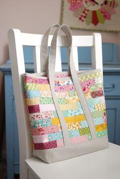 scrappy tote bag from Retro Mama Scrap Happy Sewing