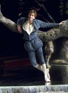 David Tennant Photo Of The Day - 4th August 2014:  As Berowne in 'Love's Labours Lost' - October 2008.