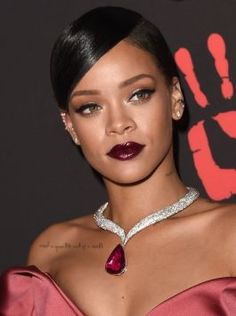 Editora de Batman entra em disputa judicial com Rihanna #Billboard, #Brasil, #Cantora, #Famosos, #Nome, #Pop, #Rihanna http://popzone.tv/editora-de-batman-entra-em-disputa-judicial-com-rihanna/