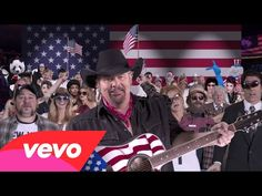 Prom queens and strippers, donkeys and elephants - one big country united under booze. Raise a glass! Drunk Americans by Toby Keith Popular Country Singers, Top Country Songs, Country Western Singers, Country Videos, Country Music Videos, Big Country, Country Music Singers, Music Humor, Funny Music
