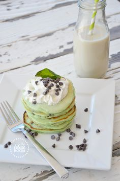 St. Patricks Day mint-chocolate-chip-pancakes recipe