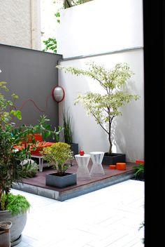 Terrasse atelier 154, Paris   http://leblogdatelier154.blogspot.fr/2011/07/une-creation-de-terrasse-paris-17e.html?m=1