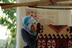 #Iranian woman weave #rug..
