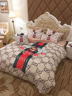 Best bed linens for your home Room Ideas Bedroom, Rooms Home Decor, Bedroom Sets, Bedding Sets, Bedroom Decor, Decor Room, Gucci Bedding, Luxury Bedding, Dream Rooms