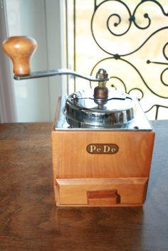 PeDe coffee grinder  1950 van HomiArticles op Etsy