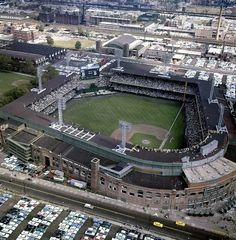 """""""Comiskey Park, Chicago, 1959 - Here is a wonderful aerial view of Comiskey Park during the 1959 World Series between the White Sox and Los Angeles Dodgers. Only World Series in a that a New York team was not involved. Dodgers won the series in six games"""" White Sox Baseball, Baseball Park, Baseball Photos, Baseball Classic, Baseball Stuff, Baseball Field, Boston Baseball, Baseball Signs, Baseball Crafts"""