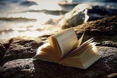 Парадигмы библиопсихологии http://www.portal-slovo.ru/pedagogy/38097.php?ELEMENT_ID=38097&SHOWALL_1=1  Довольно занятная статья о пользе #чтение для #саморазвитие :)   Основная идея: есть 2 основные парадигмы чтеиня - информационная (извлечение знаний) и метафорическая / герменевтическая (нахождение смыслов и трансформация себя с помощью этих смыслов).  Как реализовать вторую парадигму?   Цитата: Можно выделить, например, подструктуры литературно-художественного произведения, соответствующие…