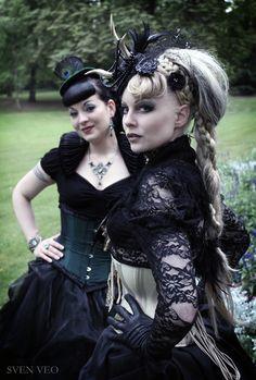 Dark Romance Portrait by Sven Veo -Models: Crescentia Moon & Rebella Fiendish      VonSvenVeo