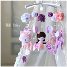 Magical woodland Princess baby girl mobile with fox and owl - Floral crib Mobile with flowers Pink Mobile, Felt Mobile, Shower Party, Baby Shower Parties, Nursery Room, Nursery Decor, Mobile Workshop, Baby Deco, Baby Mobiles