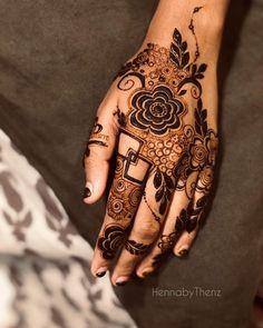 Simple Mehndi Designs Fingers, Henna Tattoo Designs Arm, Pretty Henna Designs, Rose Mehndi Designs, Finger Henna Designs, Back Hand Mehndi Designs, Mehndi Designs For Girls, Unique Mehndi Designs, Mehndi Design Images