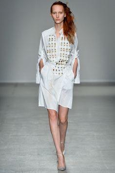 A.F. Vandevorst Spring 2014 Ready-to-Wear Fashion Show - Nika Cole