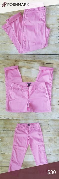 "WHBM Pink Crop Leg Pants size 6 98% cotton, 2% spandex,  these pink pants feel amazing! 4 pockets, rhinestone on pocket. Wear straight or cuffed at the bottom. Awesome condition! They do have some stretch.  Inseam: 28"" Length: 35""  Waist: 26"" White House Black Market Pants Ankle & Cropped"