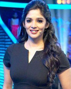 Nyla usha...♥ #nylausha #actress #malayalipennu #kerala #smile #love #mallu #desigirl #kollywood #malluwood