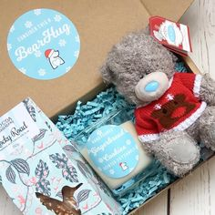 #bearhugsgifts Christmas Gift Sets, Christmas Wishes, Cadeau Surprise, Bf Gifts, Original Gifts, Party In A Box, Gift Packaging, Corporate Gifts, Creative Gifts