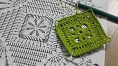 Crochet Doilies, Chanel Boy Bag, Cross Stitch, Shoulder Bag, Make It Yourself, Blanket, Lace, Youtube, Farmhouse Rugs