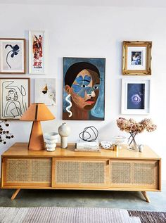 KerrieAnn Jones home is a lightfilled space that blends midcentury furniture with contemporary art in a palette of whites grays and rust. Home Design, Interior Design Trends, Design Studio, Interior Styling, Color Interior, Design Ideas, Design Thinking, Decorating Tips, Interior Decorating