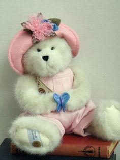 """Boyds Bears """"Florence Flutterbeary"""" 14"""" BBC Exclusive Bear - #918156SM -NWT-2006"""