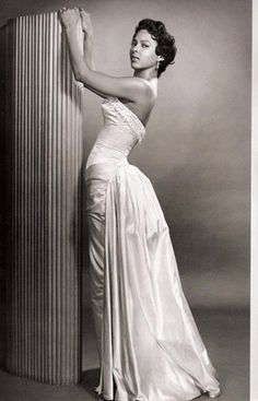 Old School Glamour dress inspiration -- Dorothy Dandridge. Vintage Glamour, Old Hollywood Glamour, Vintage Beauty, Classic Hollywood, Vintage Hollywood, Hollywood Stars, Hollywood Icons, Vintage Style, Dorothy Dandridge