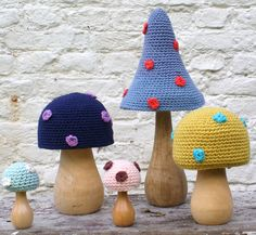 crochet mushrooms-LOOK you and Dad could collaborate! Crochet Fairy, Crochet Home, Crochet Flowers, Knit Crochet, Crochet Mushroom, Mushroom Crafts, Crochet Decoration, Manta Crochet, Stuffed Animal Patterns