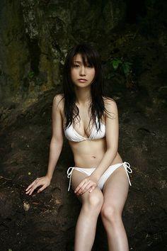 大島優子のセクシーなビキニ