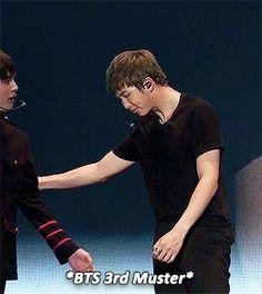 we make a great pair of legs — anonymous requested: Namjoon pulling Jin closer Namjin, Jimin Jungkook, Bts Jin, Foto Bts, Bts Photo, Bts Rap Monster, Cute Gay, Bts Boys, K Idols