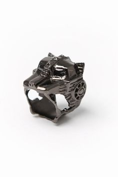 Lioness Ring (Gunmetal) - Han Cholo #hancholo #jewelry #accessories #lioness #gunmetal http://shop.hancholo.com/jzv/p/88/Lioness+Ring?p=c3E9bGlvbmVzcw==