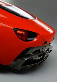 Aston Martin V12 Zagato - Un cul si beau, il meriterait d'etre devant