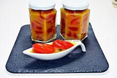 Gogosari in sos de mustar Romanian Food, Romanian Recipes, Gin, Pickles, Cantaloupe, Panna Cotta, Pudding, Canning, Fruit