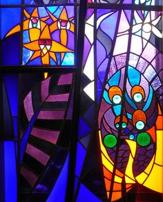 Window in The Hague made by Mien Visser-Düker in 1926.  (photo by Frans Schmidt)