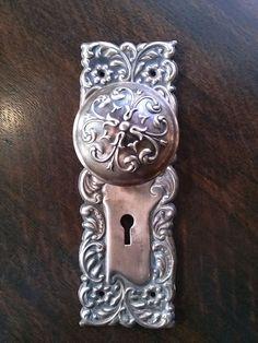 Vintage Victorian Door Knob Backplate Set by bycinbyhand Vintage Door Knobs, Door Knobs And Knockers, Antique Door Knobs, Vintage Doors, Black Door Handles, Knobs And Handles, Knobs And Pulls, Drawer Knobs, Door Pulls