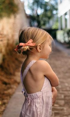 Shop the Spring 2018 Collection by Wunderkin Co. Classic handmade hair bows for your baby, toddler, or little girl and her free spirited style. The perfect accessory for your little one's individual fashion style and both of your mommy and me adventures. Little Girl Fashion, Toddler Fashion, Toddler Outfits, Kids Outfits, Kids Fashion, Little Girl Skirts, Cute Young Girl, Handmade Hair Bows, Girl Standing