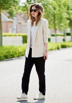 causal suit. cream blazer, slouchy black pants & converse chucks #style #fashion #sneakers