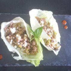 Wraps de lechuga con pavo, verduritas y queso fresco
