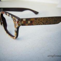 Gustav Klimt glasses???? the art nerd in me really needs these...