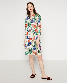 This is how you spot a Zara floral print from a mile away.
