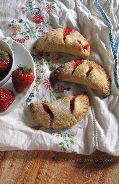 strawberry hand pies :: une gamine dans la cuisine