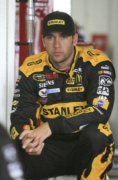 Elliott Sadler-Hottest Doofus in NASCAR.