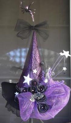 Beautiful Diva Witch hat for Halloween décor or wear to impress. Love the big - Hat For Women - Ideas of Hat For Women - Beautiful Diva Witch hat for Halloween décor or wear to impress. Love the big bow black roses and wiggly spiders Halloween Witch Hat, Holidays Halloween, Vintage Halloween, Halloween Diy, Happy Halloween, Halloween Decorations, Witch Hats, Diy Witch Hat, Halloween Patterns
