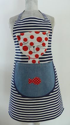 New kitchen diy sewing apron patterns Ideas Fabric Crafts, Sewing Crafts, Sewing Projects, Sewing Aprons, Sewing Clothes, Apron Designs, Cute Aprons, Diy Couture, Creation Couture
