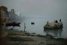 Harry Gruyaert Benares. Ganges river.