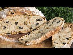 Πεντανόστιμο αφράτο ψωμί με ελιές. Ένα τέλειο μοσχομυριστό ελιόψωμο με τραγανή κόρα, μαλακό, αφράτο και ελαφρώς λαστιχωτό εσωτερικά με προσθήκη πράσινων κα