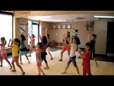 Children's Zumba to the song Boro Boro. Great movement break or indoor recess idea. Kelly Kunkle you're invited whenever we do this! Yoga For Kids, Exercise For Kids, Children Exercise, Elementary Physical Education, Music Education, Brain Break Videos, Just Dance Kids, Zumba Kids, Indoor Recess