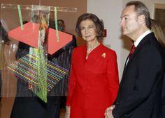 Acompañando a S.M. la Reina en  la inauguración de la exposición 'Colección del IVAM. XXV aniversario'