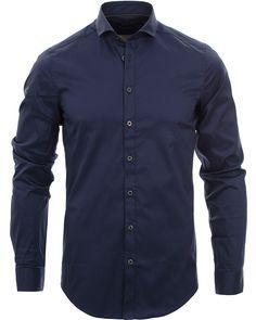 Tiger of Sweden Steel 1 Shirt Navy i gruppen Skjortor   Businesskjortor hos  Care of Carl a4ac7f5108b00