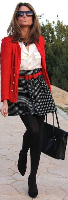 Holiday chic, cute!!! I want to wear this on Christmas day.
