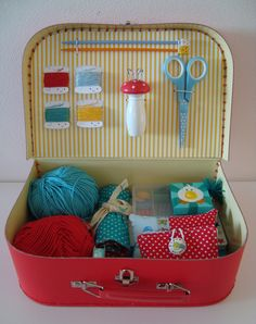 mousehouse  ~ kids crafty suitcase tutorial