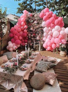 Wedding Balloon Decorations, Wedding Balloons, Birthday Decorations, Balloon Party, Balloon Garland, Picnic Birthday, 18th Birthday Party, Backyard Birthday Parties, Yard Party